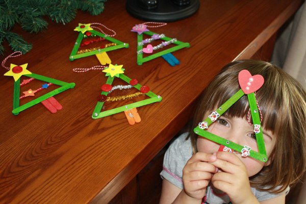 popsicle stick craft christmas trees